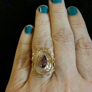 Jewelry - ⬜14k etched quartz and amethyst ring